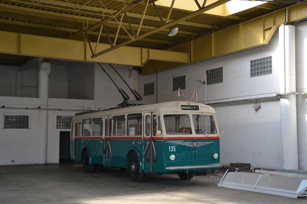Fotogalerie » Škoda 6Tr2 135 | Brno | Komín | vozovna Komín
