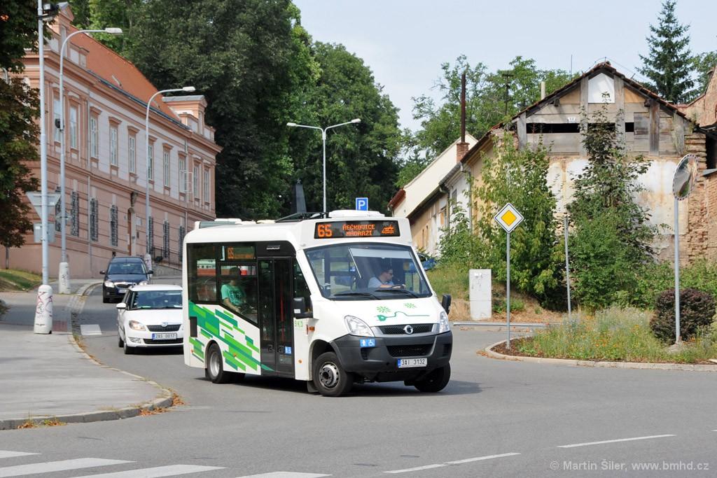 Fotogalerie » Iveco Stratos E 30 3AI 3132   Brno   Řečkovice   Palackého náměstí