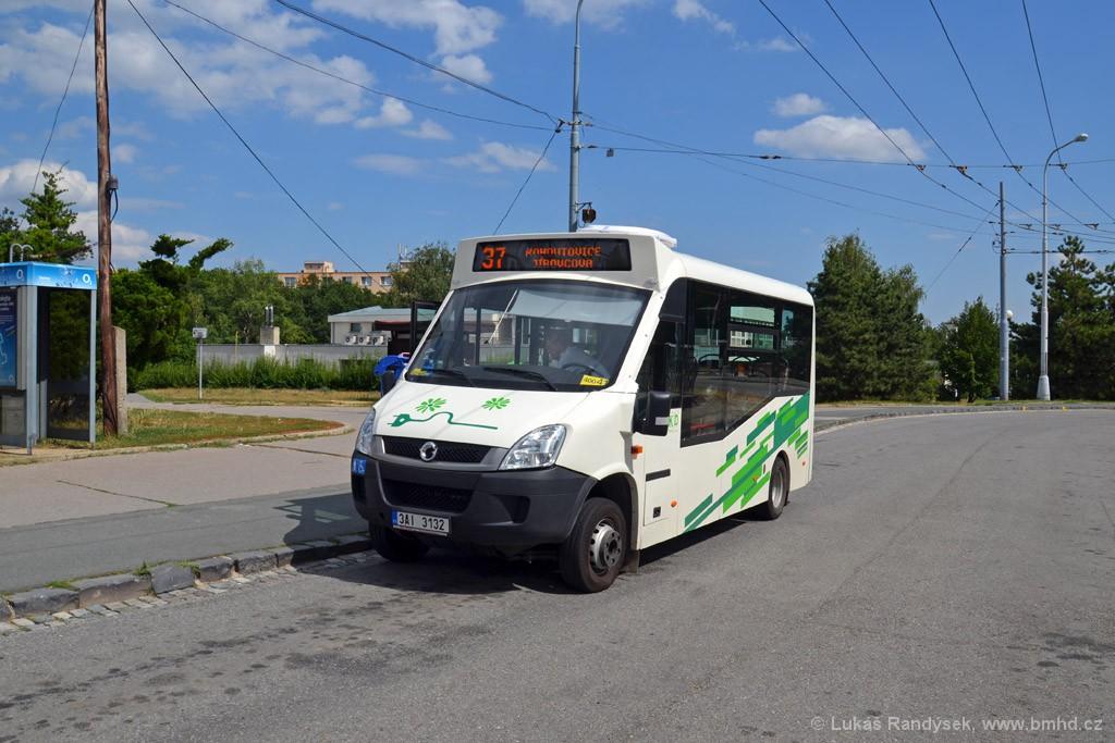 Fotogalerie » Iveco Stratos E 30 3AI 3132   Brno   Kohoutovice   Libušina třída   Jírovcova, smyčka
