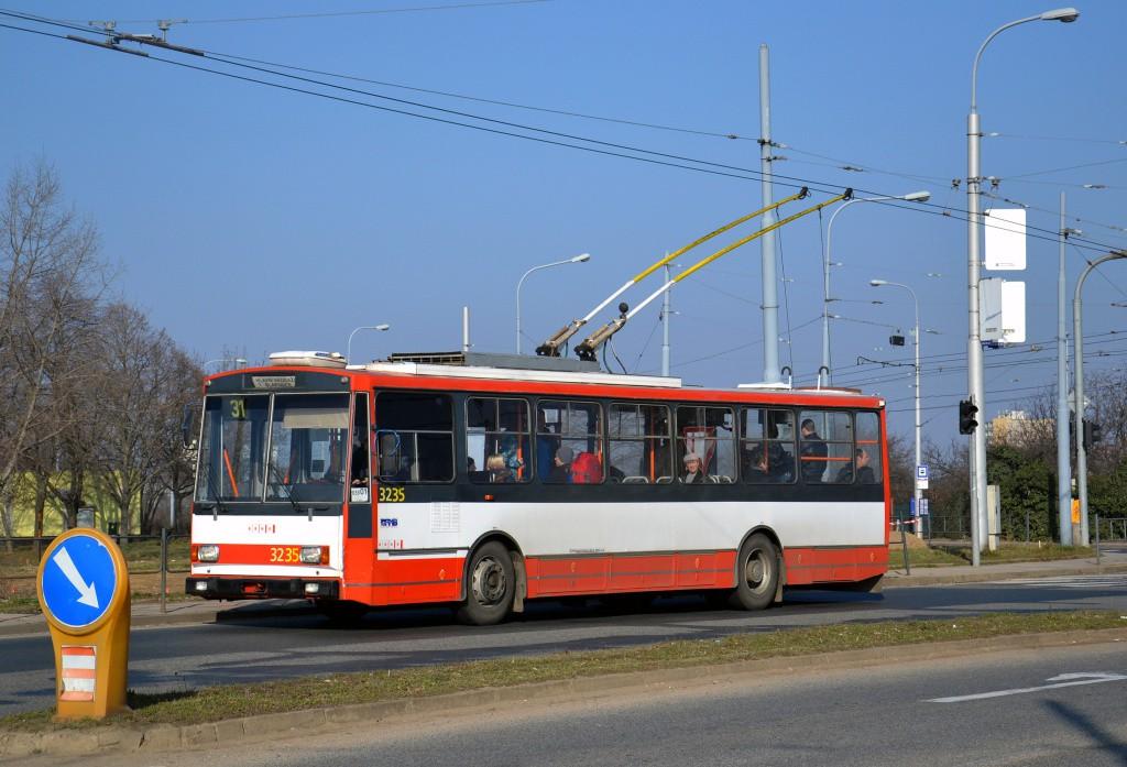 Fotogalerie » Škoda 14Tr10/6 3235   Brno   Slatina   Řípská