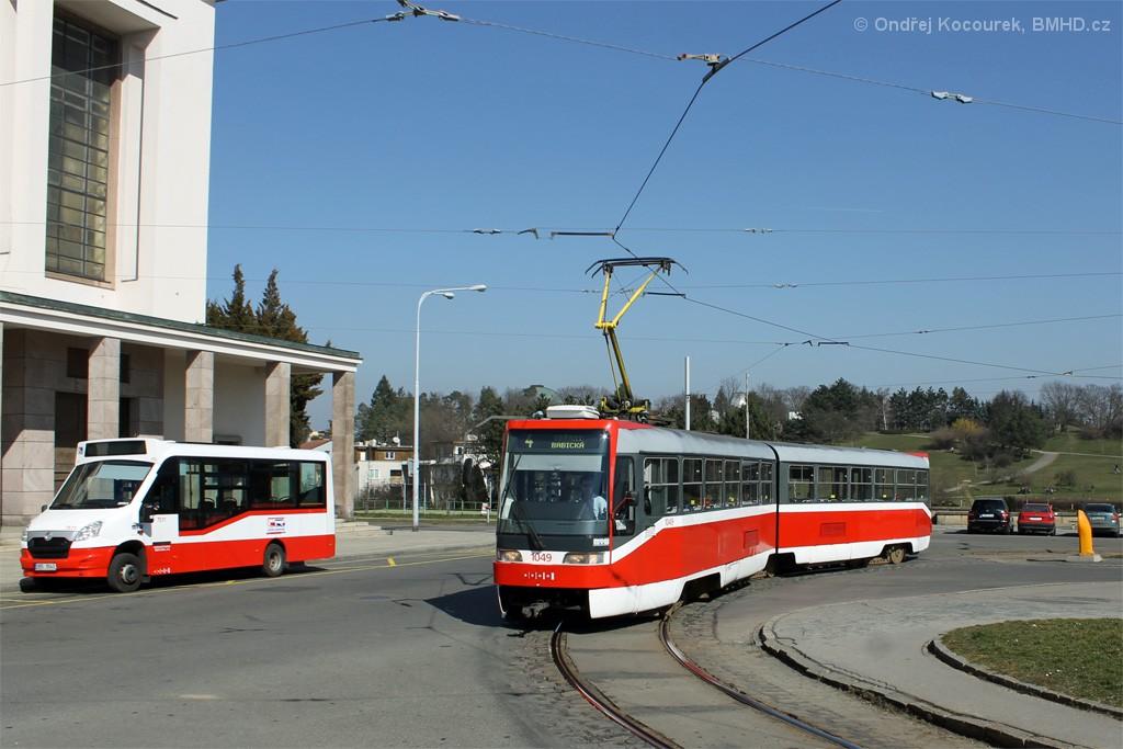 Fotogalerie » ČKD Tatra K2R03-P 1049 | SKD Stratos LF38 D 9B5 9543 7511 | Brno | Masarykova Čtvrť | náměstí Míru