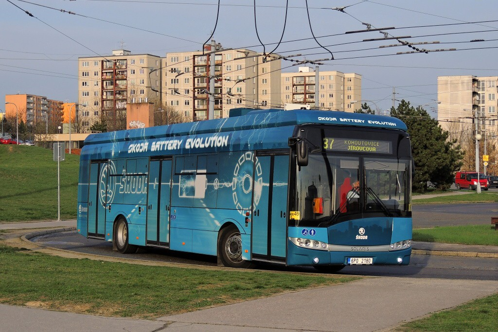 Fotogalerie » Škoda 26BB Perun 6P0 2180 | Brno | Starý Lískovec | Osová | Osová, smyčka