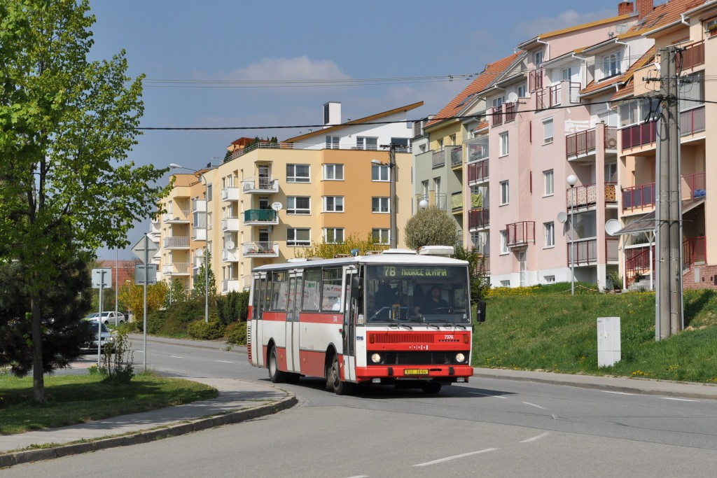 Fotogalerie » Karosa B732.1654.3 BSC 38-64 7376 | Brno | Líšeň | Holzova