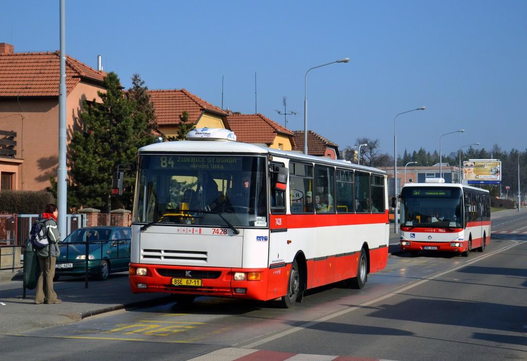 Fotogalerie » Karosa B931.1675 BSE 67-11 7428 | Irisbus Crossway LE 12M 9B4 6046 7822 | Brno | Černá Pole | Merhautova | Štefánikova čtvrť